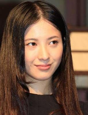 髪が薄い女性芸能人【猫っ毛が気になる美人】・吉高由里子