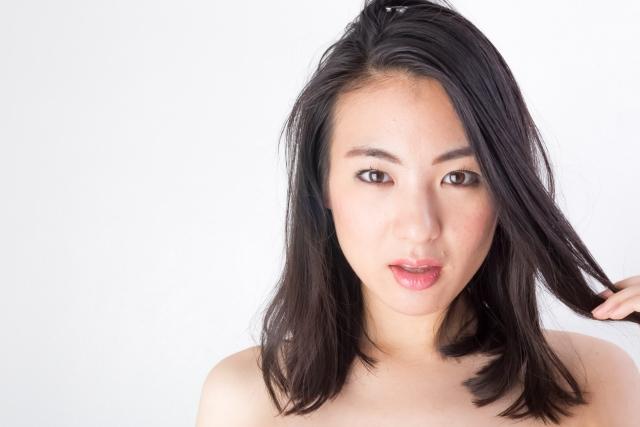 【30代編】薄毛の女性におすすめしたい髪型・前髪かきあげバング