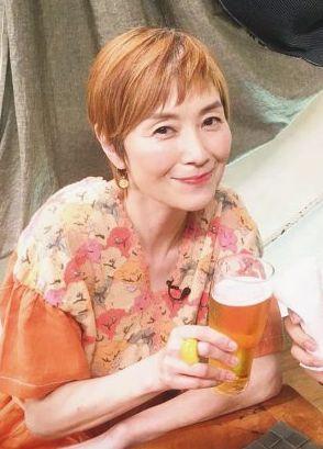 手塚理美さんの現在【髪型】・ベリーショート(グレイヘア移行前)